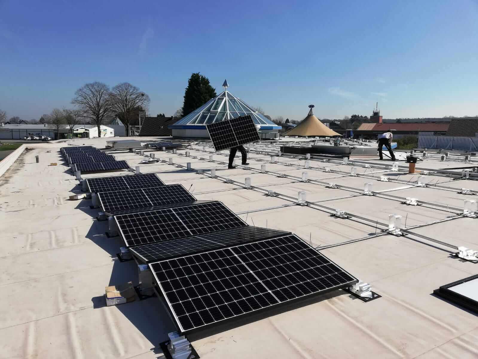 Neue Photovoltaikanlage   Montage   Leuchten Lukassen