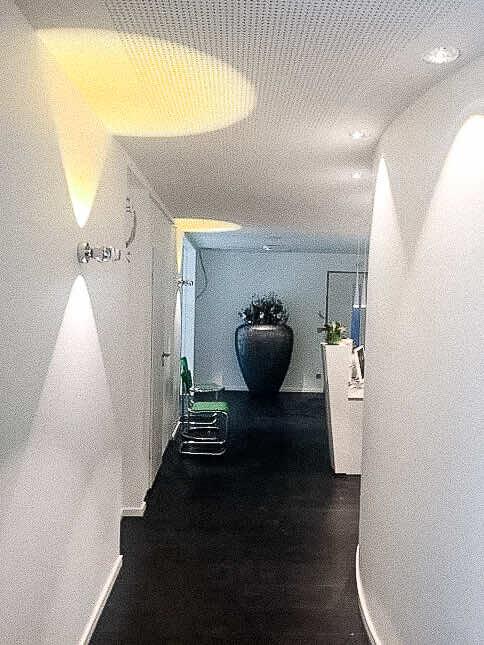 Referenzen | Zahnarztpraxis Gescher | Eingangsbereich | Leuchten Lukassen