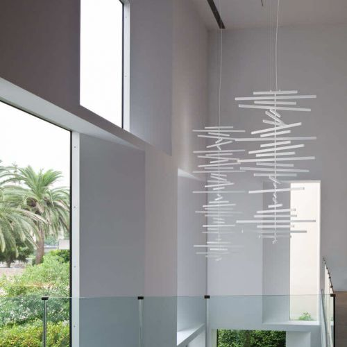 Vibia | Rhythm | Treppenhaus mit Galerie | Leuchten Lukassen Lichtdesign